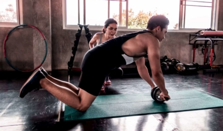 Building Up Your Core Abdominals with Use of An Ab Roller