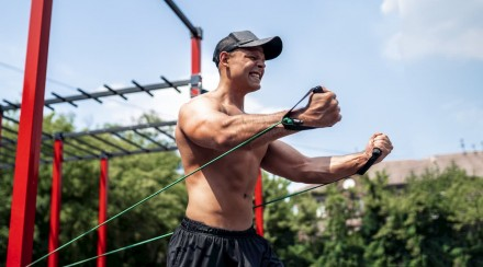 4 Core Differences Between Resistance vs. Strength Training
